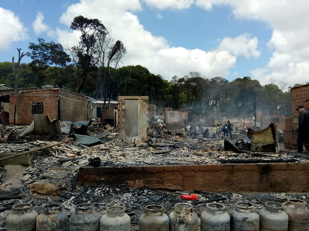 Ocupação 29 de Março sendo brutalmente despejada pela PM do Paraná.