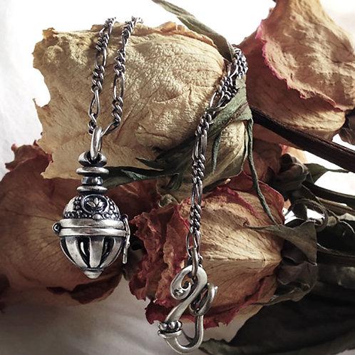 AROMA PENDANT:Silver chain