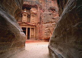 Petra The Treasury Jordan.jpg