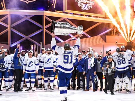 É Campeão!! O Tampa Bay Lightning vence o jogo seis da série e conquista a Stanley Cup 2020.
