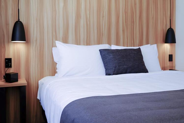 Hote bedhead lighting
