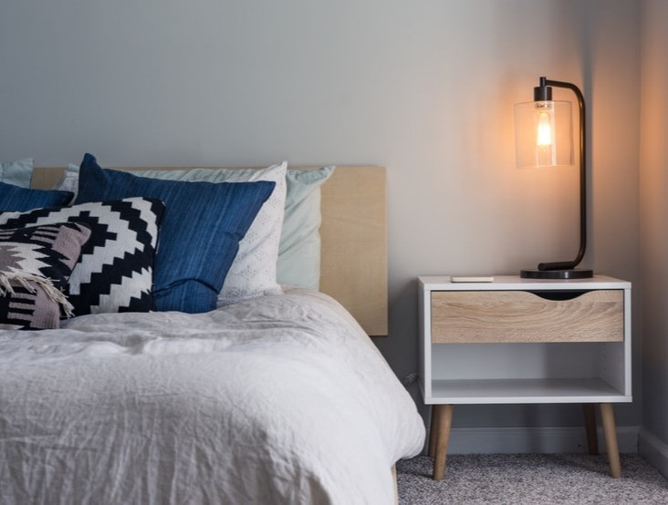 Industrial table lamp