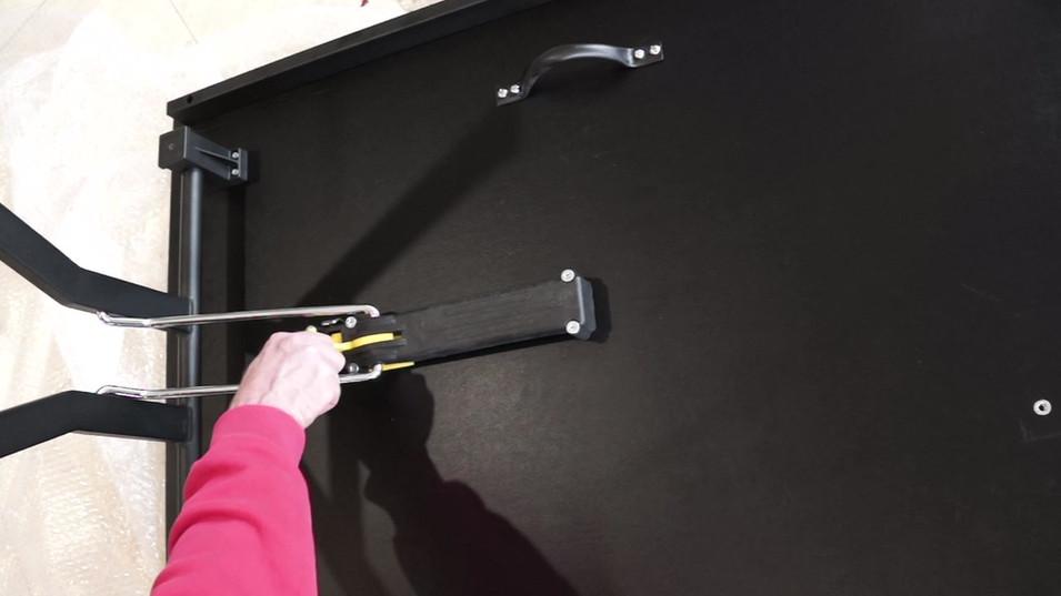 Folding Leg Mechanism Turn Key .mp4