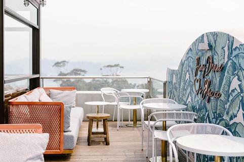 Outdoor bar furniture al fresco