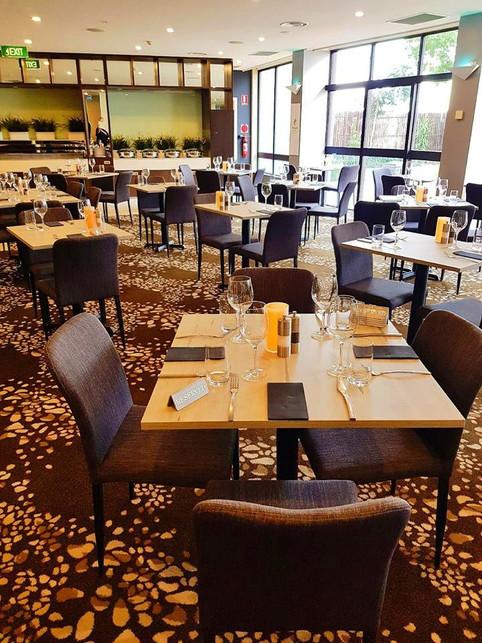 Holiday Inn Melbourne Restaurant