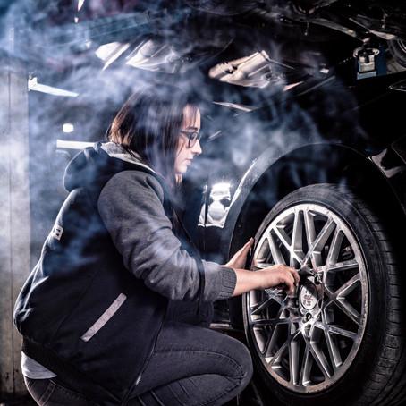 Garage Girls - Motoröl statt Nagellack