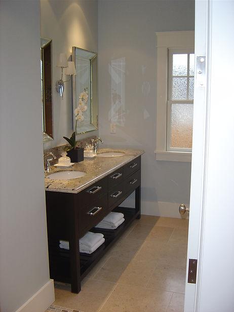50_Alder_Ave_bathroom.JPG