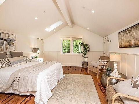 Carraige House Bedroom.jpg