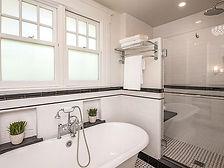 Bathroom 5.1.jpg