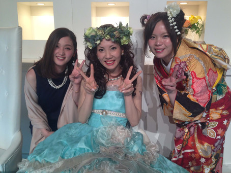 11月16日 振袖で友人結婚式