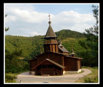 L'église russe orthodoxe de Sylvanès