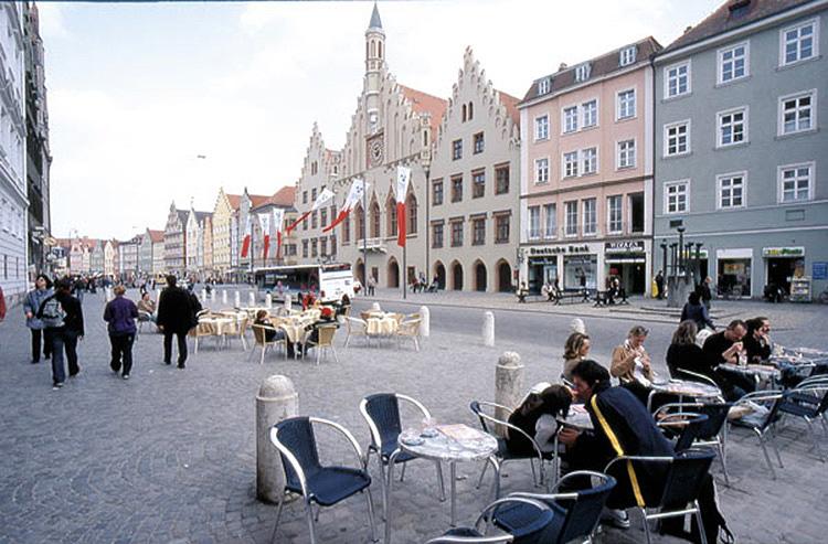 """""""Altstadt, Landshut (2004)"""""""