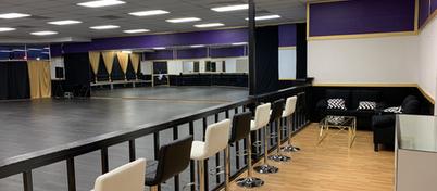 Main Studio w/Lounge