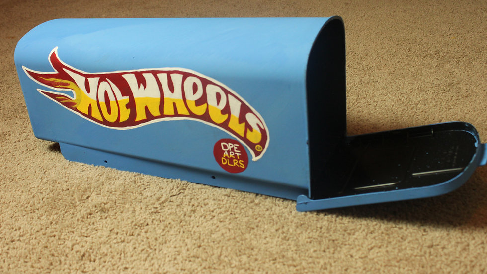 Hot Wheels ™ Dope Art Dealers Handpainted Mailbox