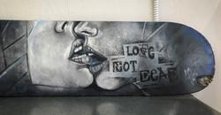 Love not dead/skateboard