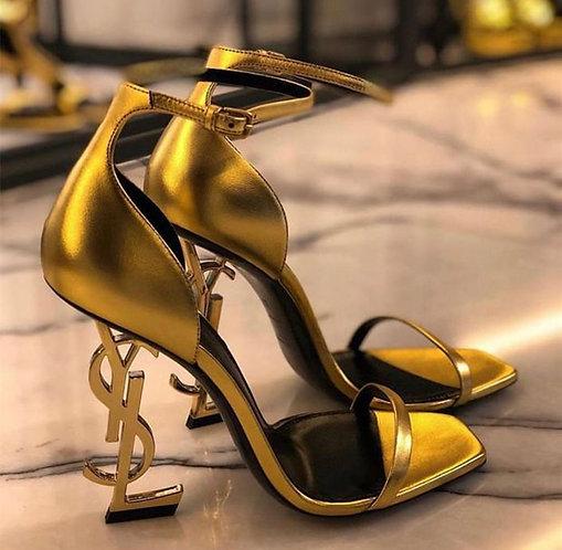 Yves Saint Laurent fashion classics heel