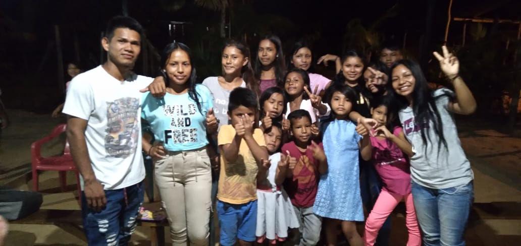 Familias felices por sus donaciones.