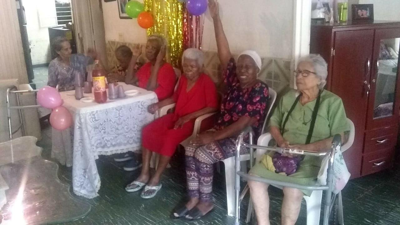 Visita y Donaciones a Ancianatos en Cali, Colombia