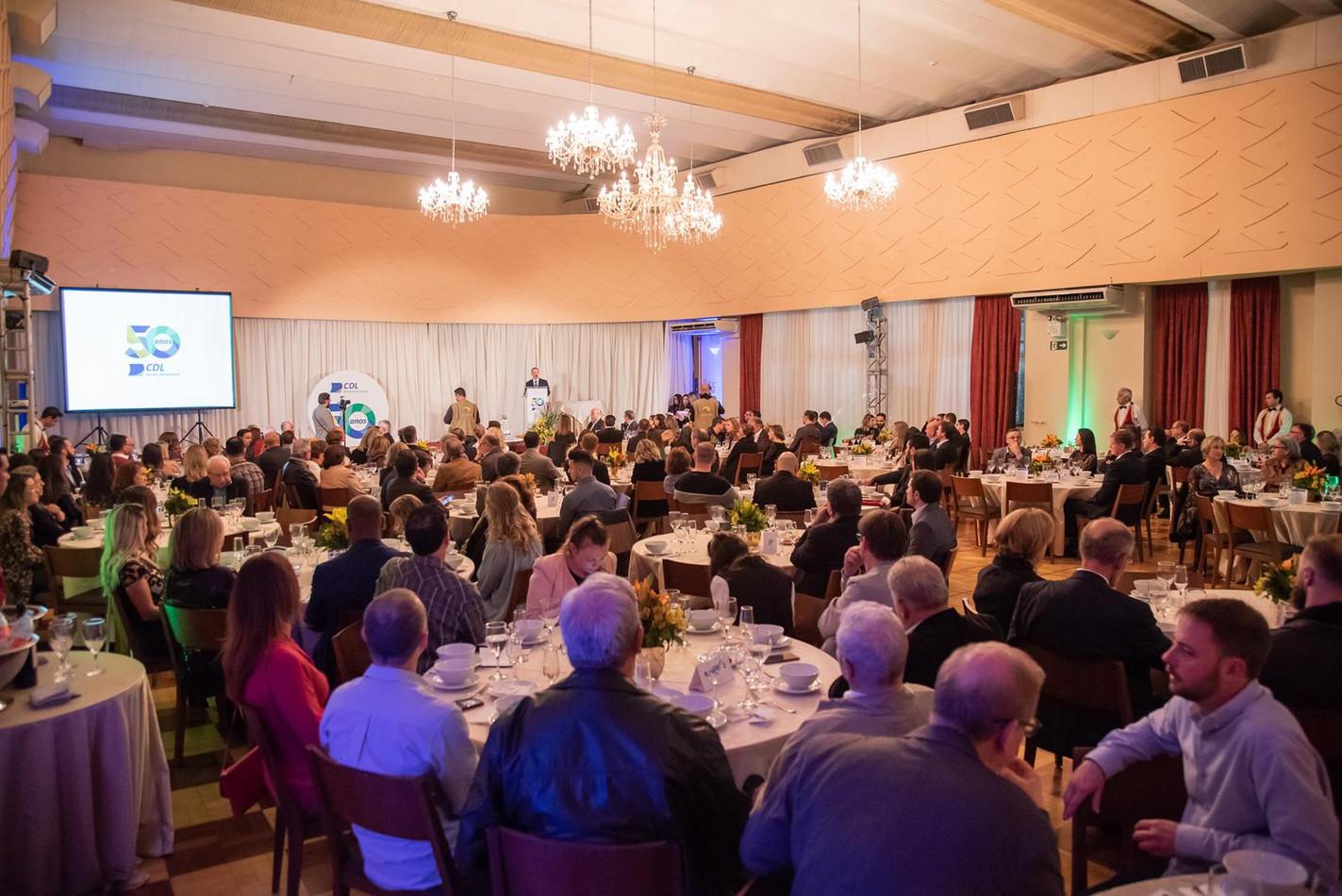 Jantar de comemoração aos 50 anos da CDL-BG