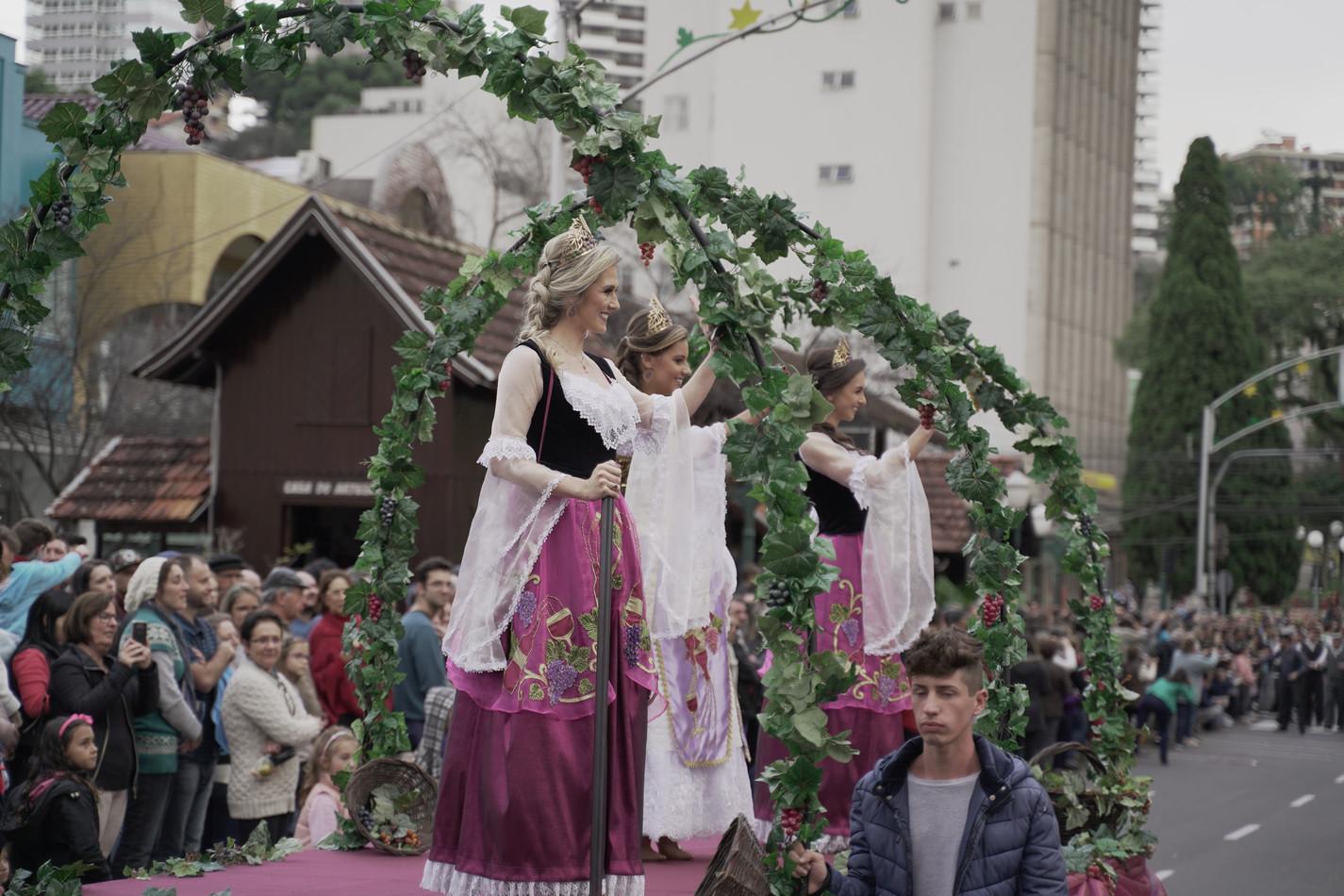 Desfile Alegórico da 16ª Fenavinho