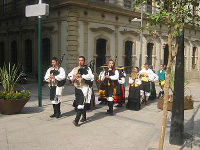 Grupo de Baile polo centro de Ceuta (4).jpg