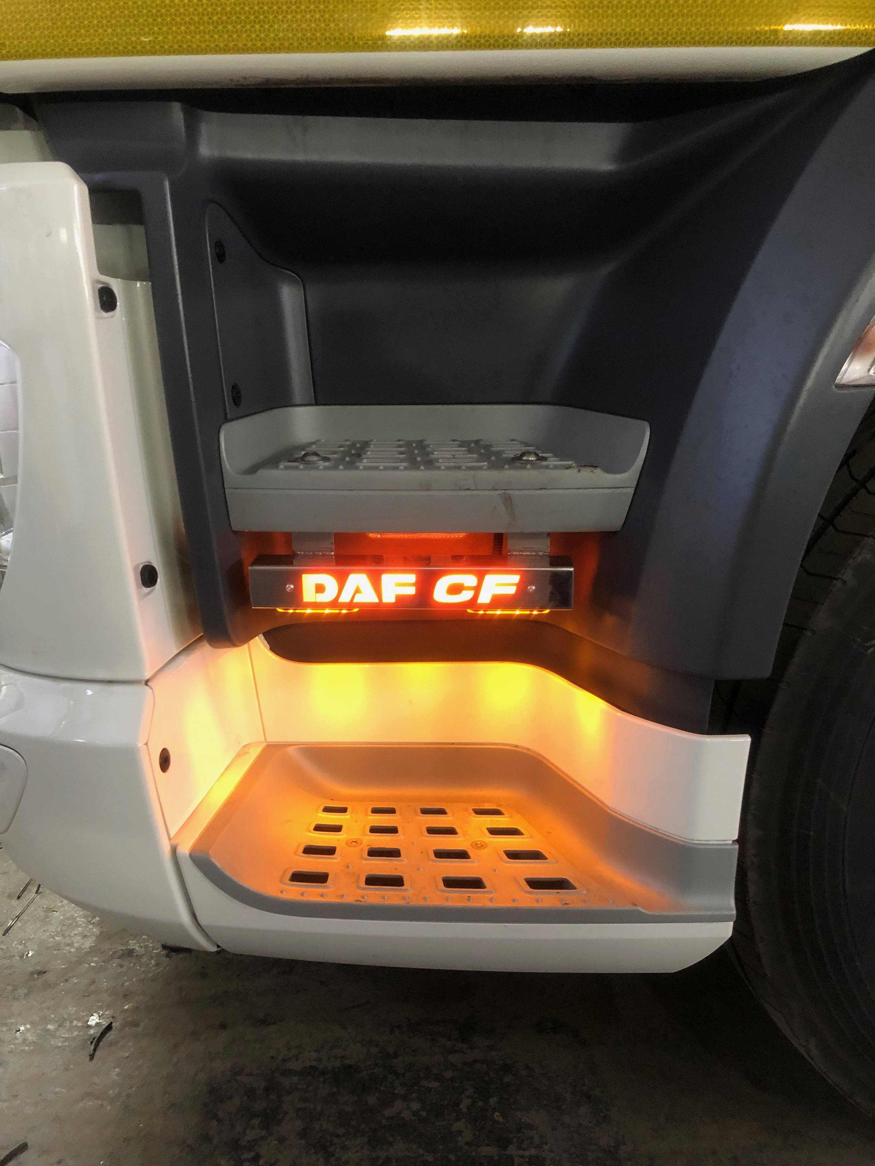 DAF CF Step Bars - DAF CF