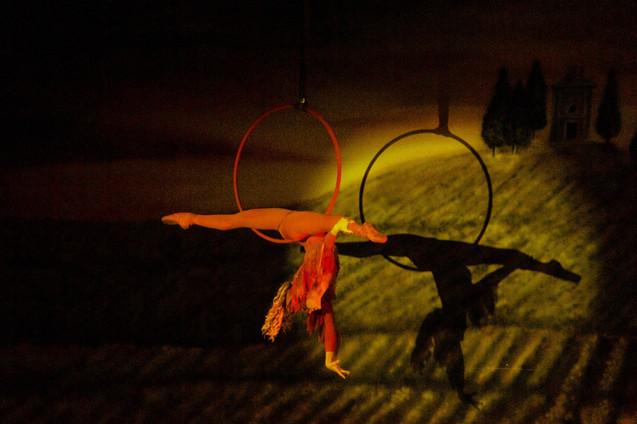 Phoenix Splits in Hoop