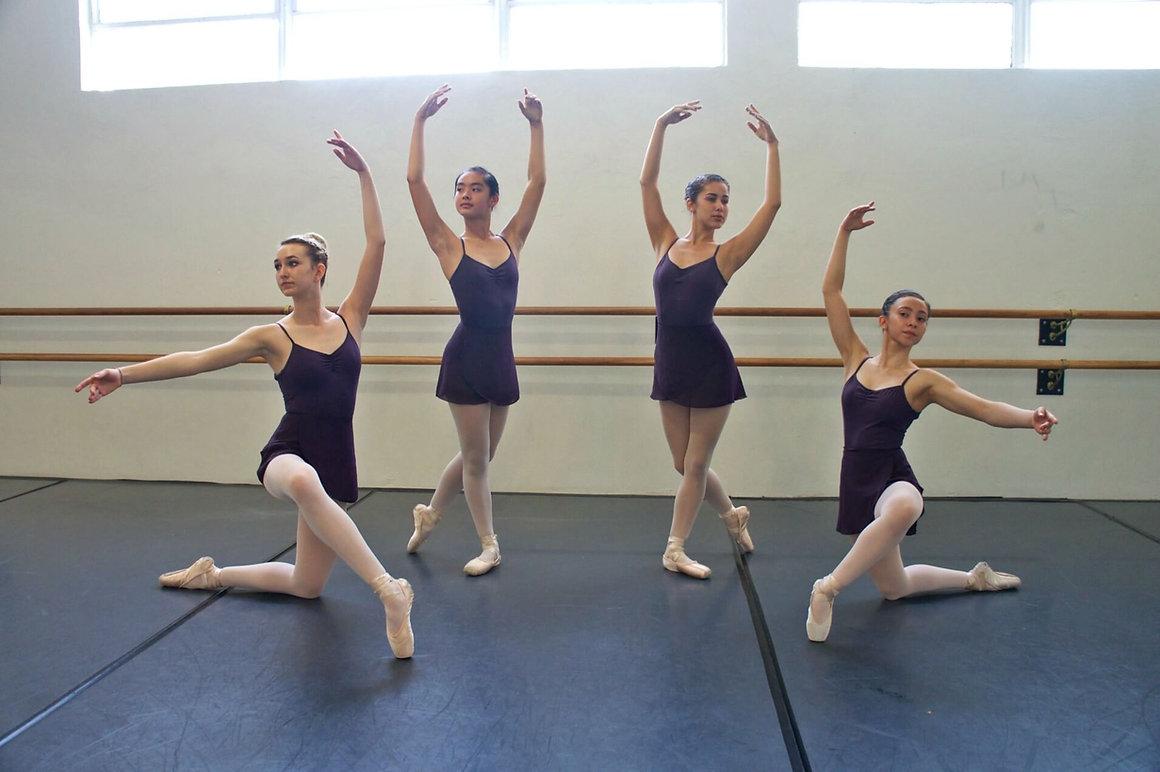 Ballet Dancers on Pointe