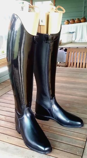 Acheva style in patent leather