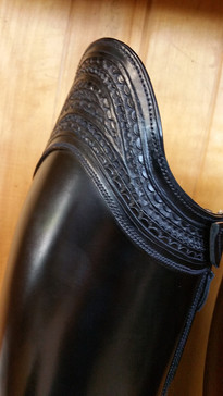 Carved collars