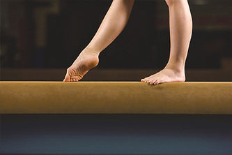 Female%20Gymnast%20on%20Balance%20Beam_e