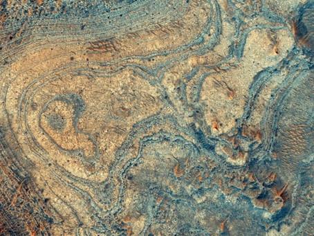 Rastro de vulcanismo explosivo en un extraño depósito mineral marciano