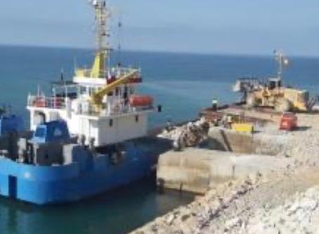 Transporte de piedra desde Vallcarca a Tarragona por vía marítima ahorra el paso de 40000 camiones