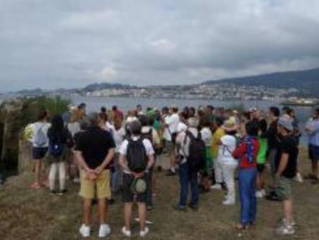 La ruta por las canteras de Meira reunió a 90 personas