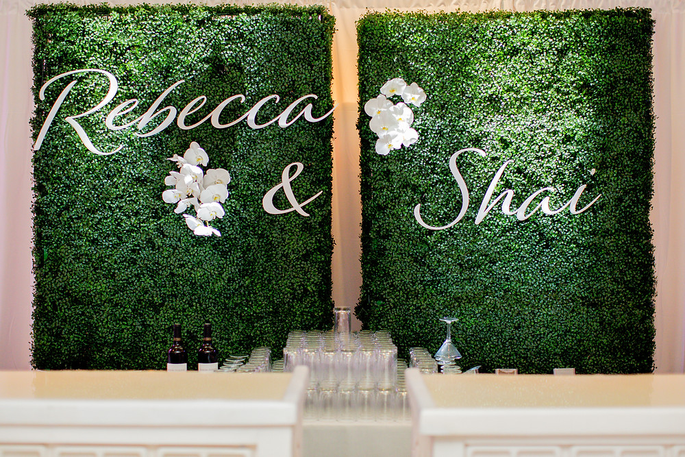 Arizona Biltmore Classic White Wedding, Reception Details