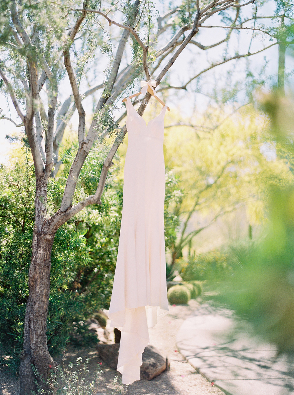 Four Seasons in Scottsdale Arizona Bride Details, Classic Wedding Dress