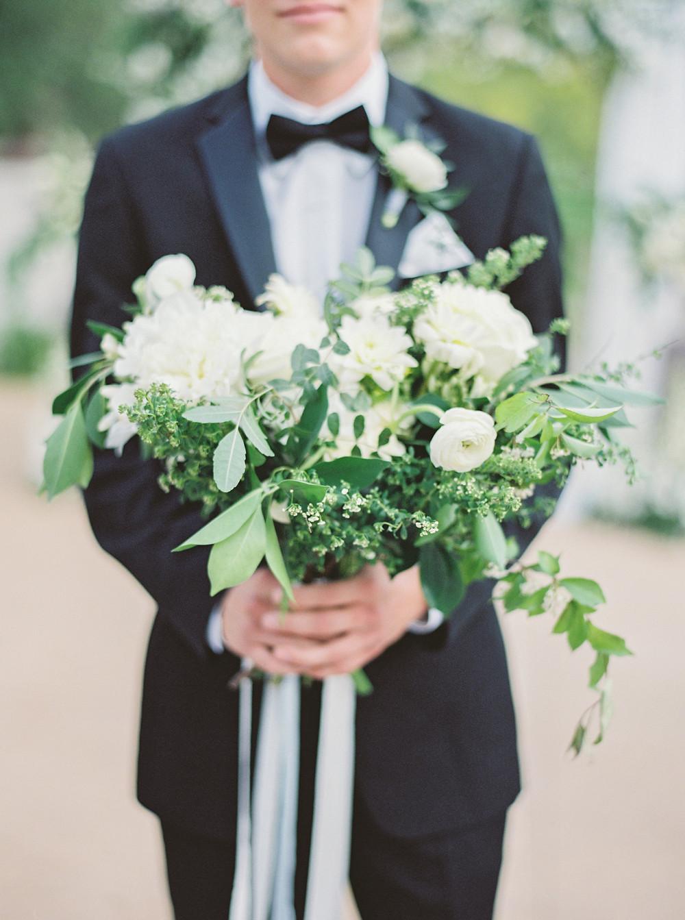 Montelucia Wedding, Bouquet, Groom