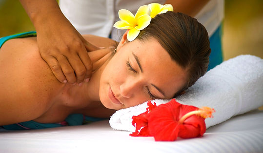 Spa - Beach Massage - close up_edited.jp