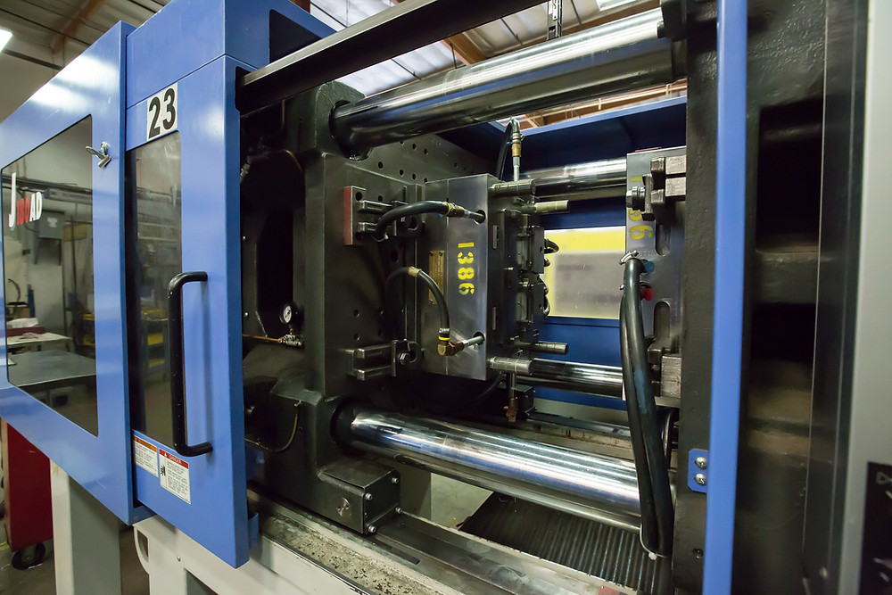 Plastic Injection molding operation in action
