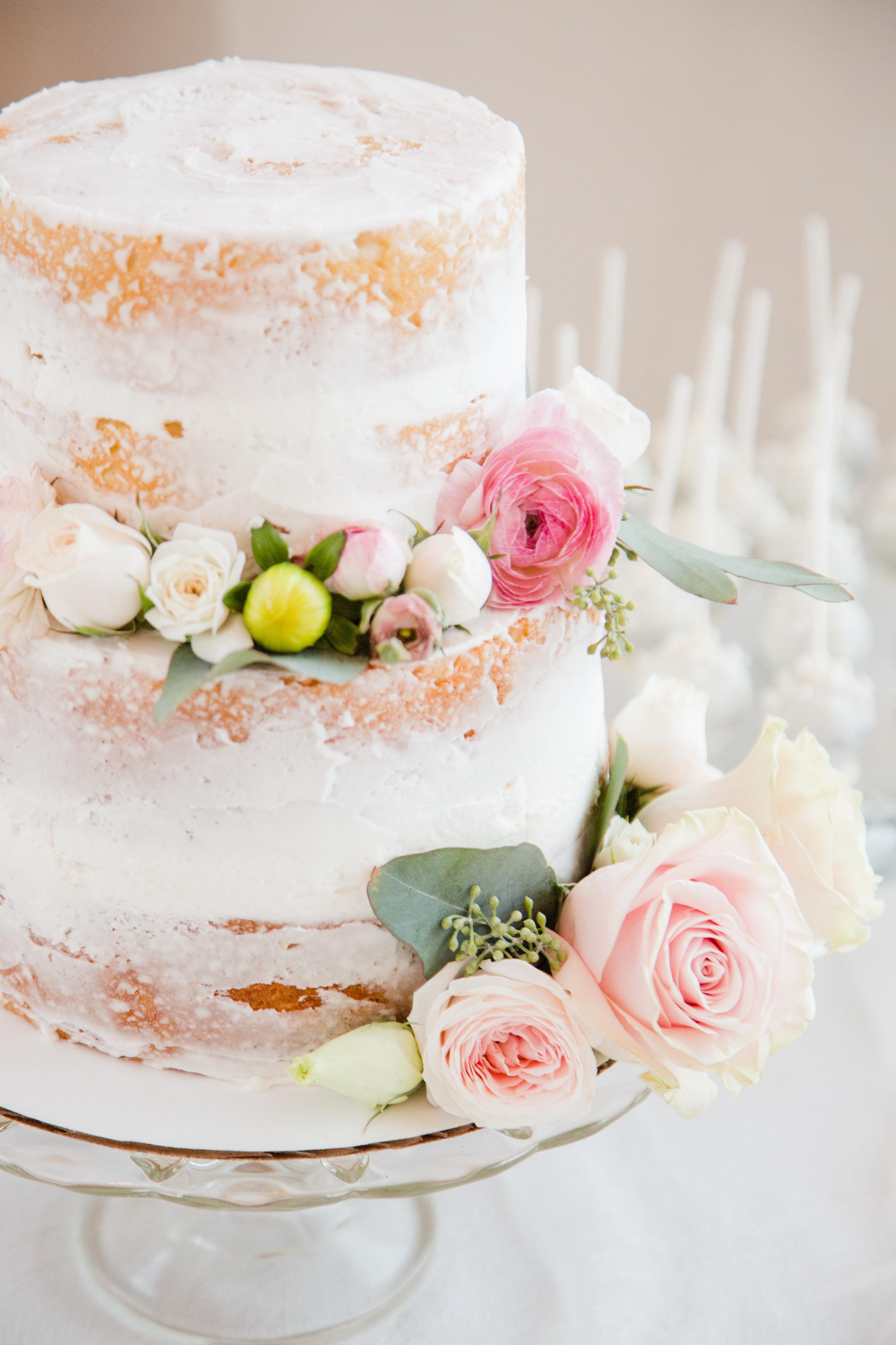 A_Floral_Affair_Gardnerville_Tahoe_Reno_Wedding_Florist_Reception_Cake (2)