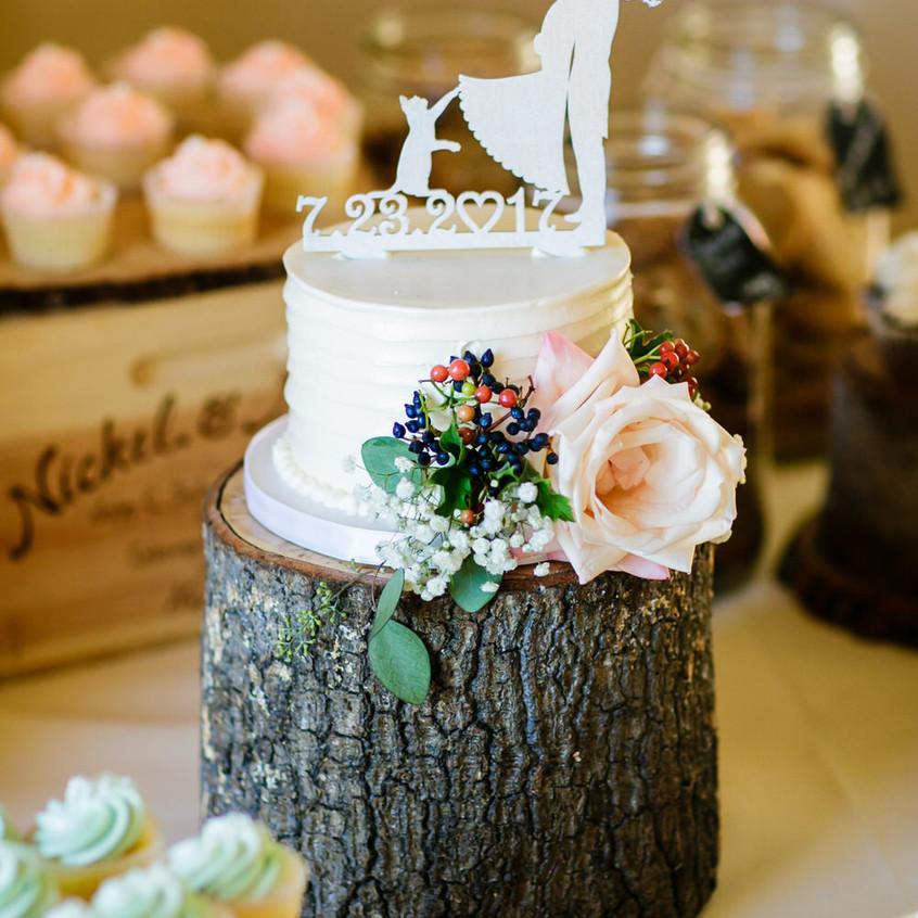 Chris-Werner-Photography-Zephyr-Resort-A-Floral-Affair-Cake (1)