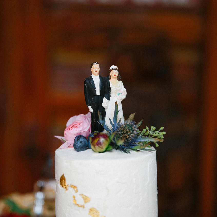 A-Floral-Affair-Tahoe-Wedding-Floral-Reception-Cake-Colleen-Amelia (3)