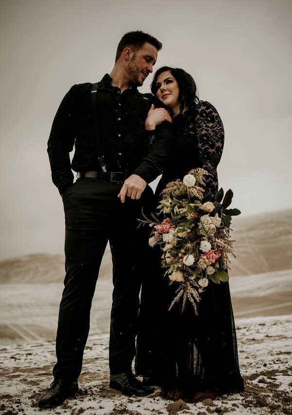 A-Floral-Affair-Emma-Wynn-Paul-Sand-Moun