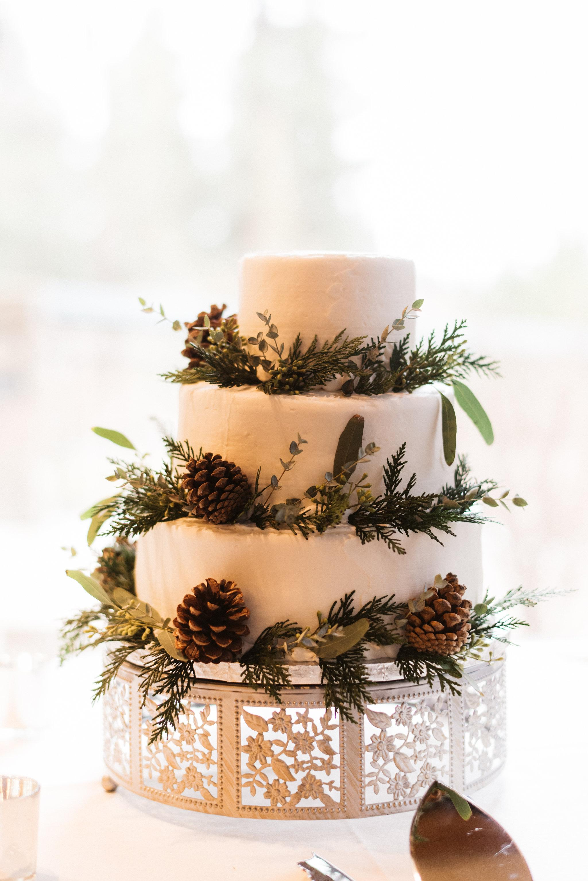 A_Floral_Affair_Gardnerville_Tahoe_Reno_Wedding_Florist_Reception_Cake