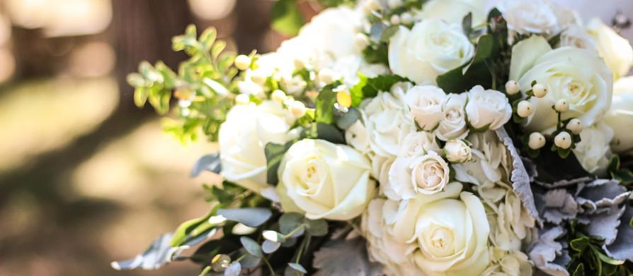 Crisp Summer White Wedding (REAL WEDDING)