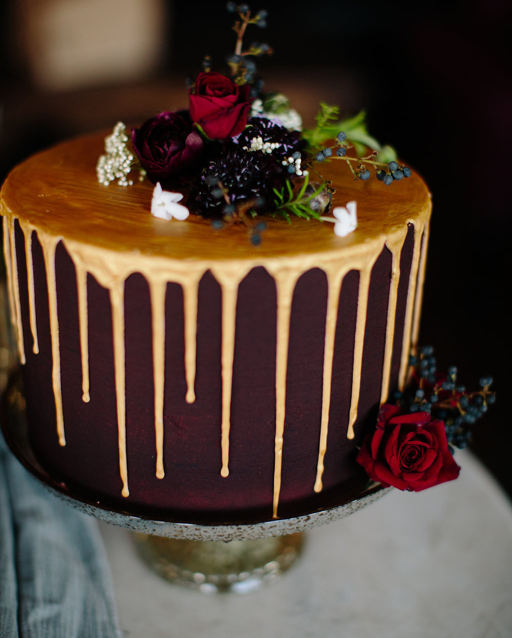 A-Floral-Affair-1864-Tavern-Styled-Shoot-Dark-Cowgirl-Scott-Sikora-Photography-Cake-Cow-Skull (5)