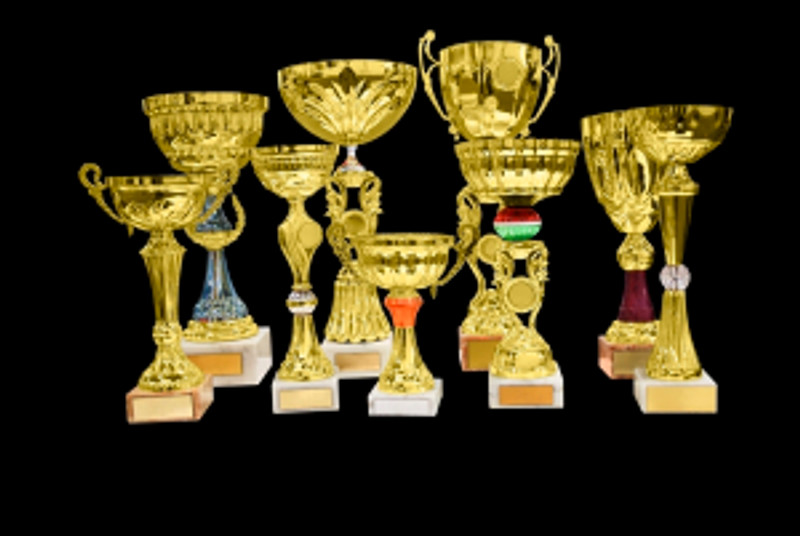 Gold-Trophy-Cup-1187255