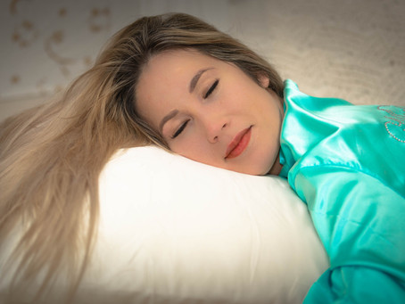 What are the Benefits of Silk Pillowcases?