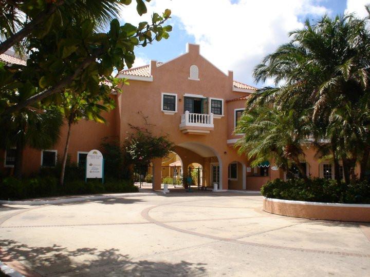 Harbour Village Hotel