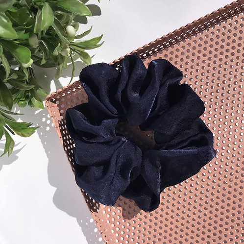 Julia Scrunchie (dark blue)